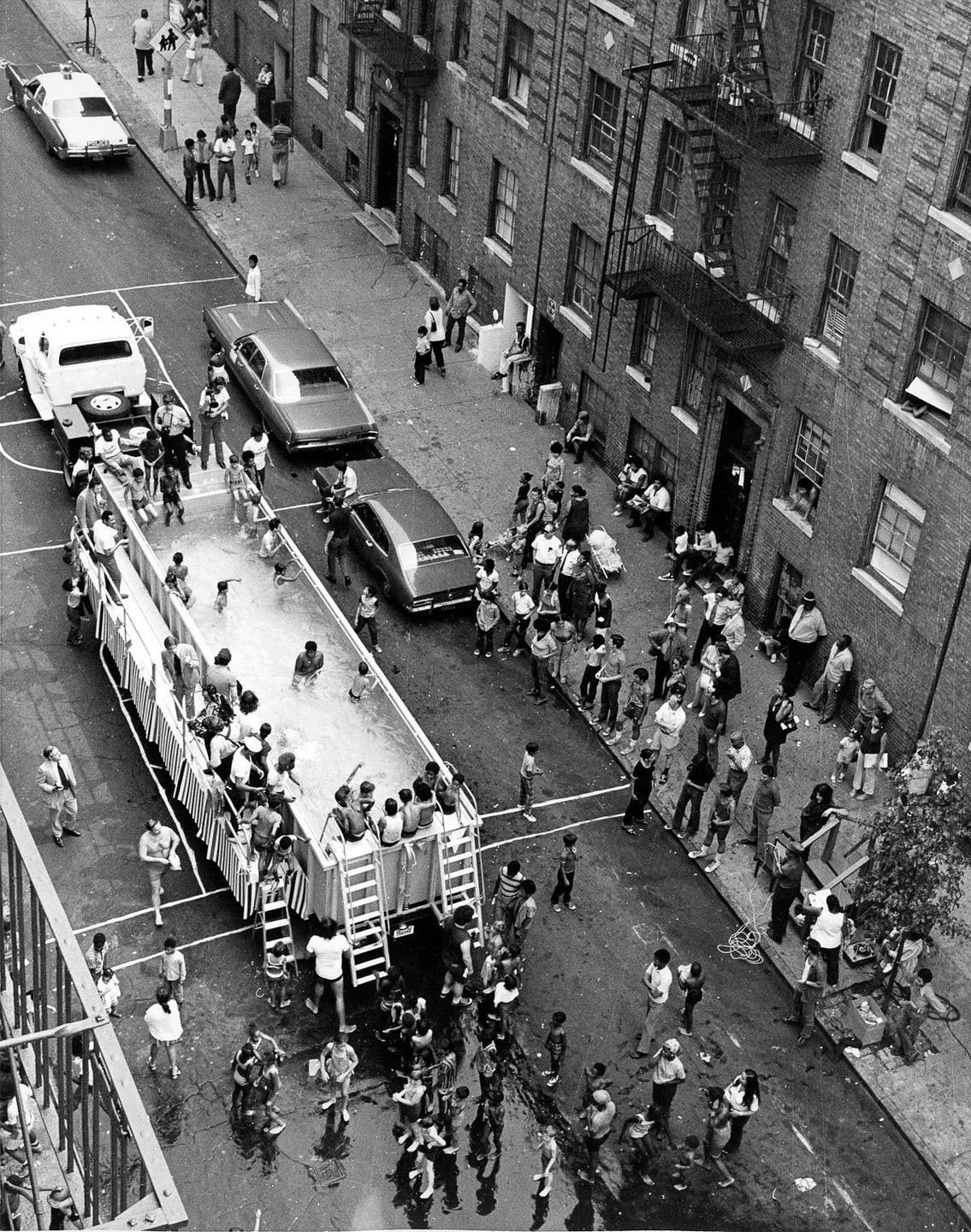 thumb-New-York-City-Swimmobile-.-1960s--New-York-City-.-Swimmobile-.-1960s.jpg