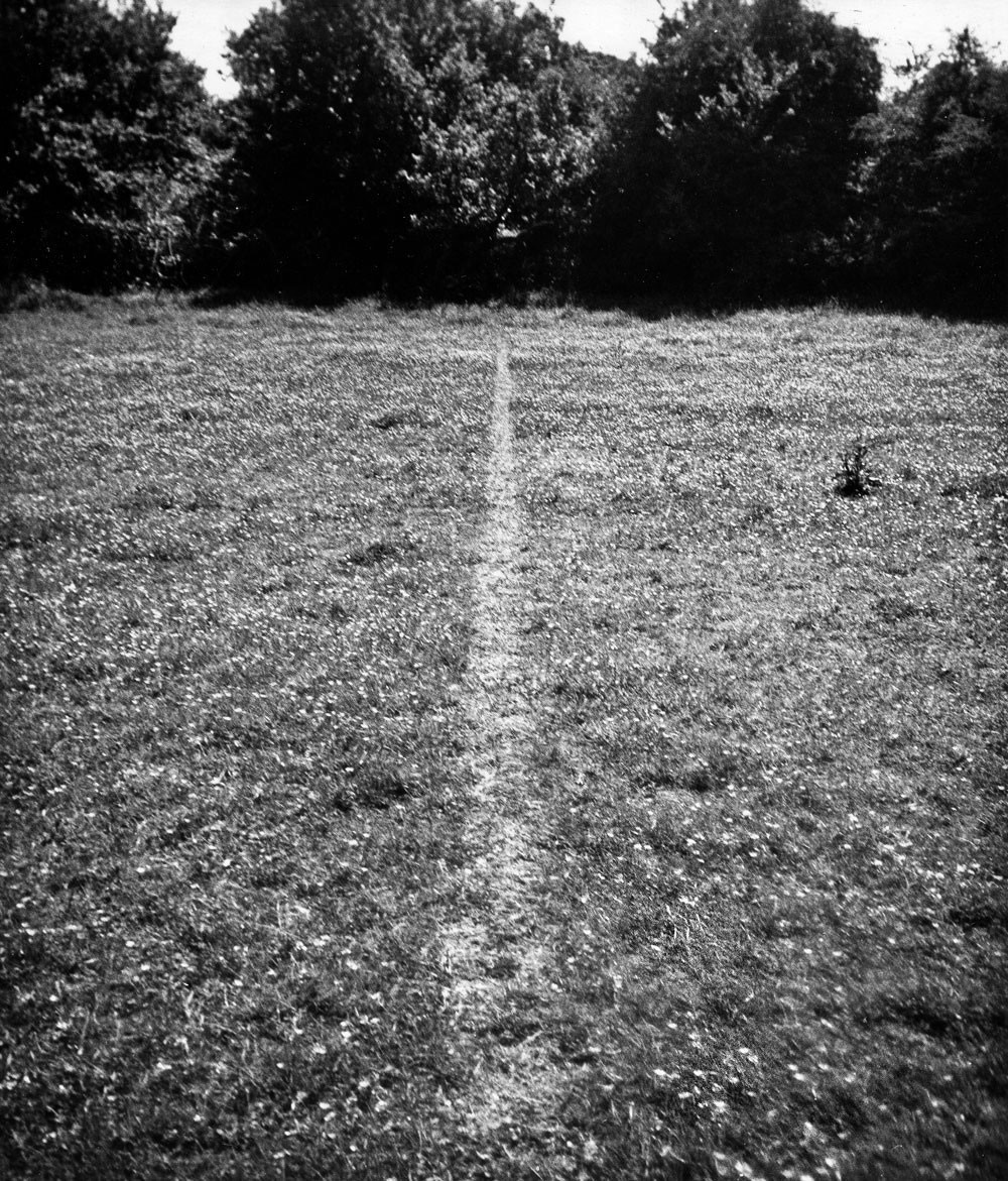 thumb-Richard-Long-A-line-made-by-walking-.-1967--Richard-Long-.-A-line-made-by-walking-.-1967.jpg