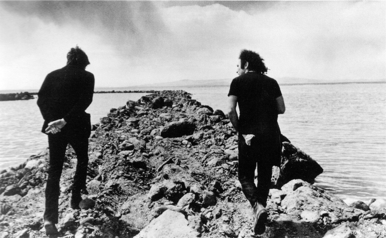 thumb-Robert-Smithson-.-Richard-Serra-Spiral-Jetty-.-Utah-.-1970--Robert-Smithson-et-Richard-Serra-.-Spiral-Jetty-.-Utah-.-1970.jpg